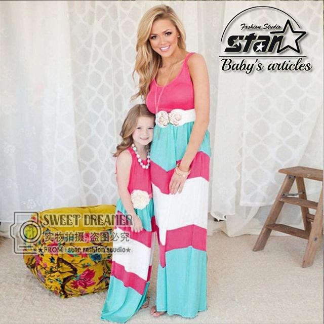 2016 Mamá y la Hija de Verano Nuevo Vestido Sin Mangas de Algodón Niños Vestidos de Partido de Las Muchachas de La Raya Ropa de La Hija de la Familia