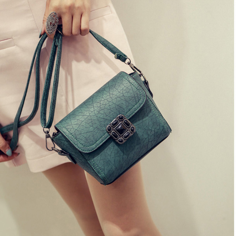 free shipping new 2017 new small cheap simple pu women messange bag flap bag green gray black. Black Bedroom Furniture Sets. Home Design Ideas