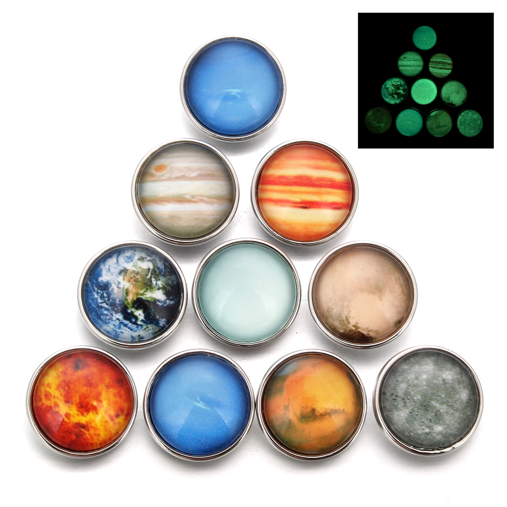 10pcs/lot Mixed Style Glass Luminous Star Series Planet Crystal Cabochon 18MM Snap Buttons Glow in the Darkness Snap Jewelry