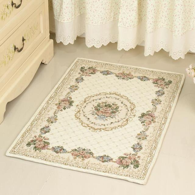 Retro Floral Patterned Bathroom Rug