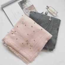 Cashmere Scarf Women 2017 European New Goddess Scarf Elegant Fashion Cashmere Bead Flowers Warm Scarf Female Shawl P