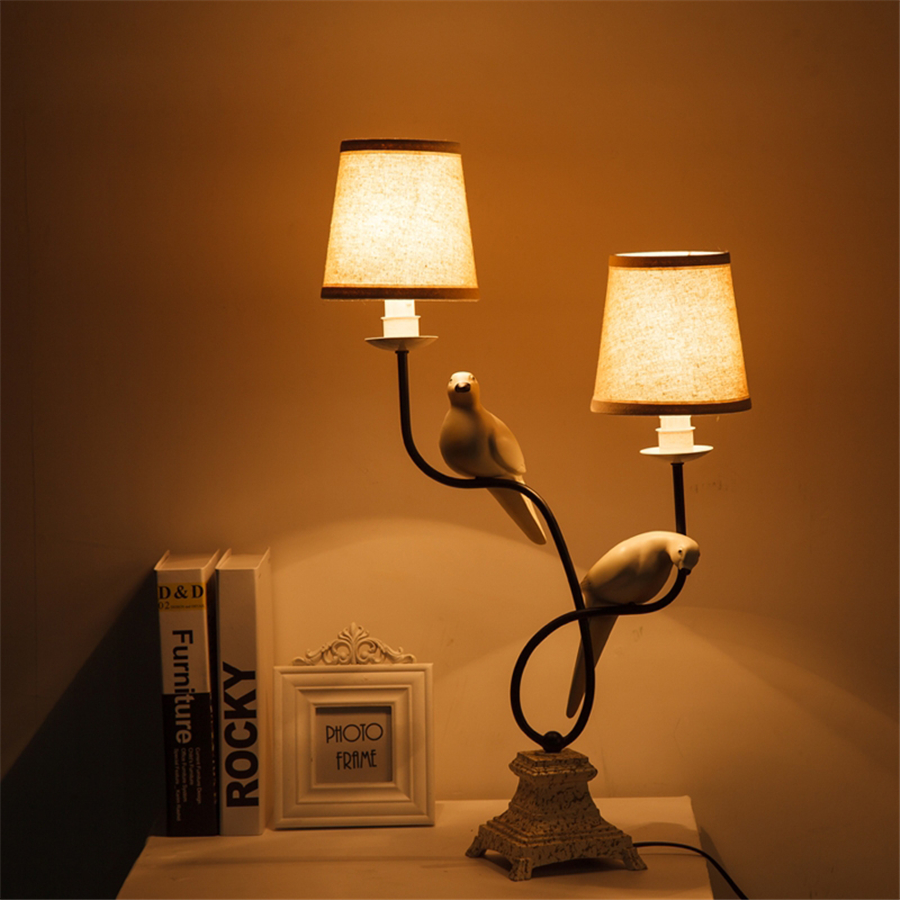 Art Deco Double Fabric Lampshade Bird Table Lamp for Office Study Desk Decoration led Bedroom bedside Lamp Makeup Table Lights