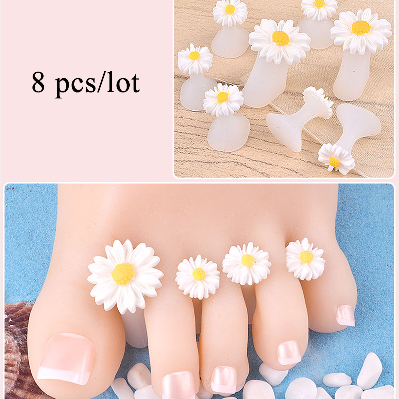 8Pcs/Pack Silicone Toe Separator Daisy Flowers Designs Toe Spacers Foot Care Pedicures Manicure Tools Soft Nail Splitter Device