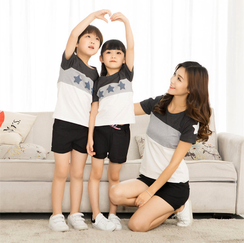HTB1dNmxi2xNTKJjy0Fjq6x6yVXal - Family Look Summer style Short-sleeve Star T-shirt For Mother Daughter And Father Son Clothes Family Matching Clothes