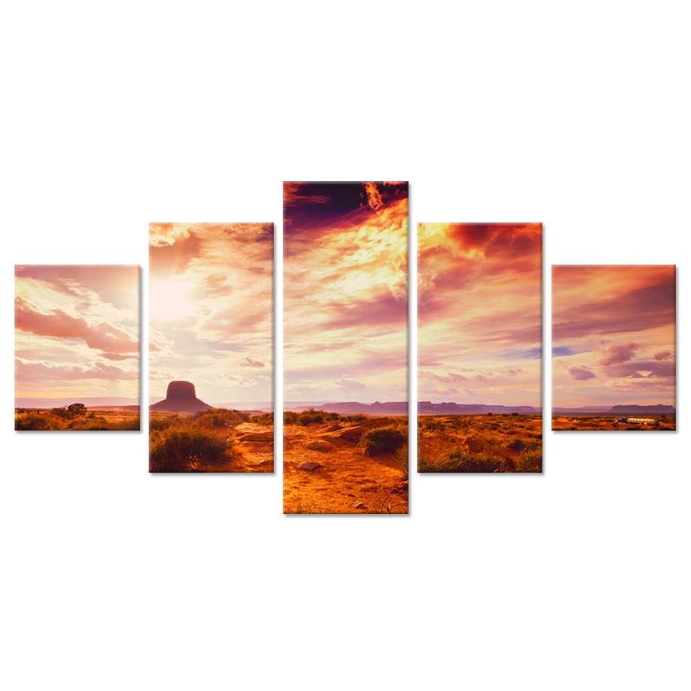 Fridge magnet with panoramic view of Monument Valley USA