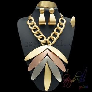 Image 2 - Yulaili Groothandel Goedkope Mode Dubai Decorousness Sieraden Sets Rose Goud Kleur Big Leaf Shape Hanger Ketting Oorbellen