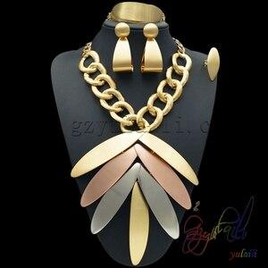 Image 2 - Yulaili بالجملة رخيصة موضة دبي الديكور مجموعات مجوهرات ارتفع الذهب اللون ورقة كبيرة شكل قلادة قلادة أقراط