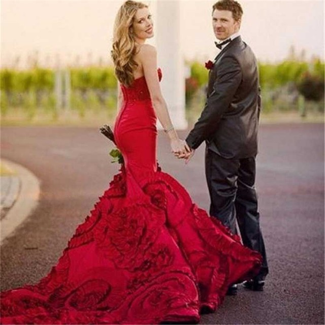 Red Mermaid Wedding Dresses 2017 Bridal Gowns Sweetheart Ruffles Fishtail Train Hot Y Bride Dress