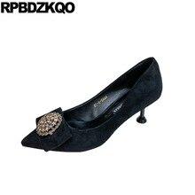 9b248108d Moderno bonito stiletto strass apontou bombas dedo do pé das mulheres de  diamante arco de cristal de camurça sapatos de salto al.