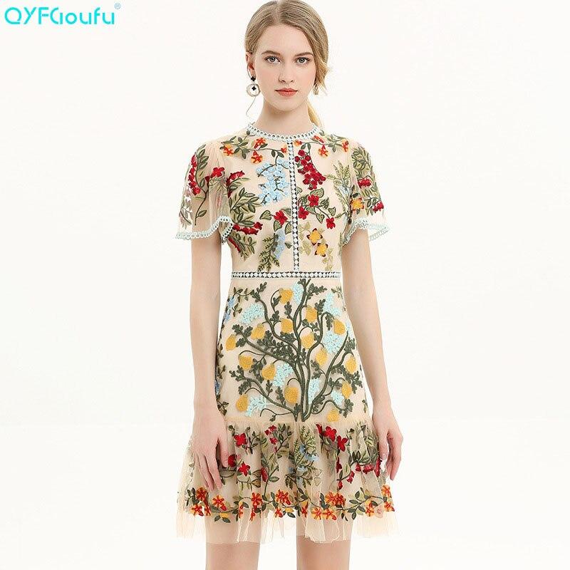 3002f820b6e QYFCIOUFU 2019 Цветочная вышивка платье женское Платье До Колена летнее с коротким  рукавом Высокая мода подиум