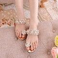 2016 venda Quente de verão sapatos novos Mulheres set moda pérola do diamante frisado sandálias Das Mulheres do dedo do pé sapatos sandálias de ouro