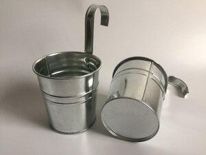 Image 2 - 10 unids/lote D9.5XH18CM balde colgante maceta de balcón de hierro maceta para jardín de infantes decoración de Metal para guardería
