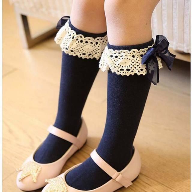 d42b6fd38ae2b Mode Fille bas pour enfants enfants coton arc dentelle Chaussette Meias  Meninas genou Haute chaussettes enfants