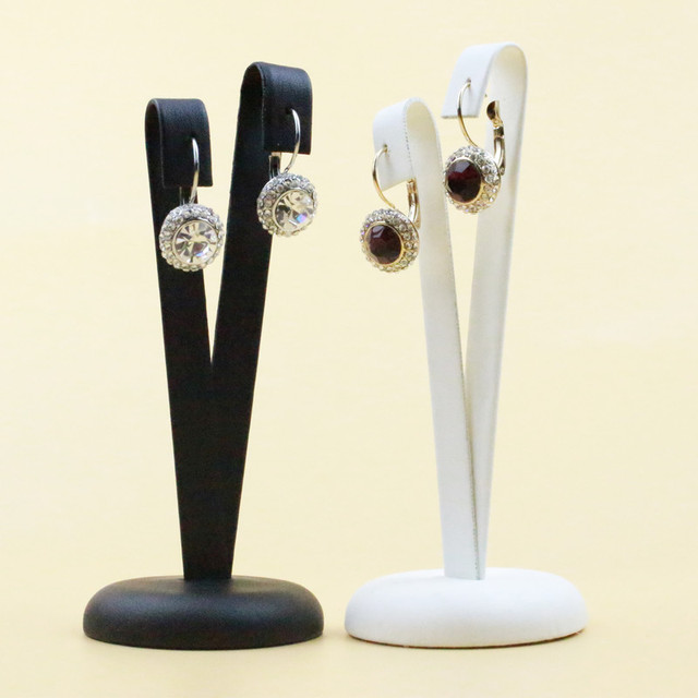 New Fashion Black White V Shape Pu Leather Creative Earrings Display Holder Stand