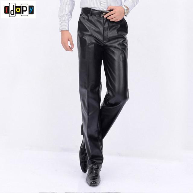 Nueva Otoño Invierno Hombre Moda PU Pantalones de Cuero de Los Hombres de Cuero de Imitación Floja Recta Pantalones A Prueba de Viento de La Motocicleta Más El Tamaño Para Hombre