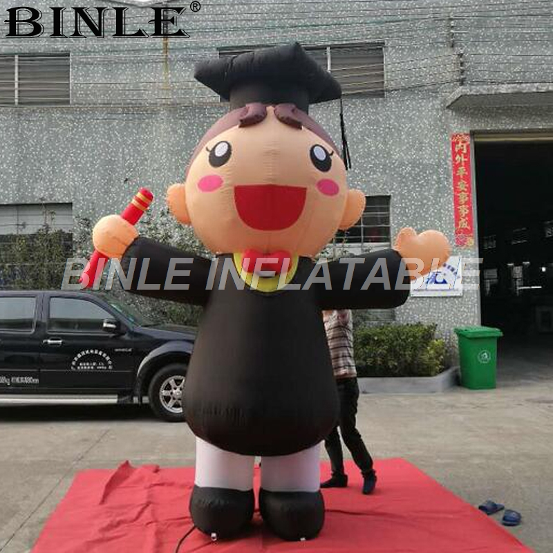 Customized giant inflatable student model with academic dress boy and girl characters for university graduation ceremonyCustomized giant inflatable student model with academic dress boy and girl characters for university graduation ceremony