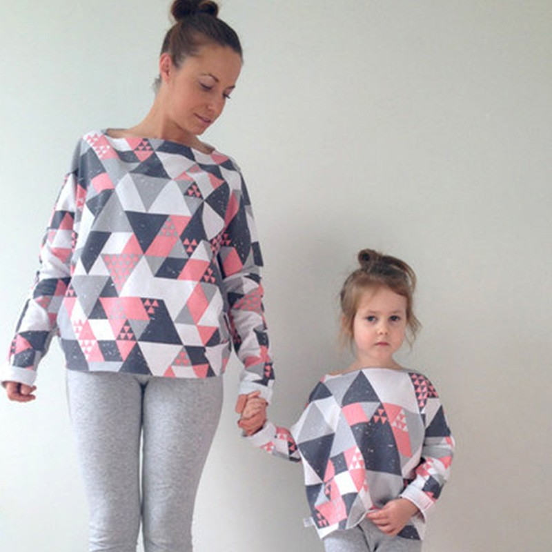 2018-new-family-matching-clothing-t-shirts-moms-daughters-clothes-square-patterns-t-shirts-fashion-casual-printing-home-clothes
