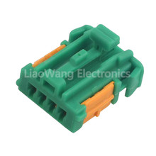 лучшая цена 4 Pin Female Car Plug Line Marker Plug Green Connector Plug DJ70432C-1.5-21