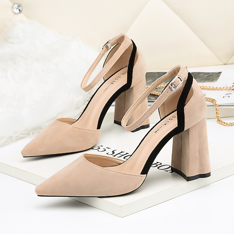 Fashion Pointed Toe Woman Shoes Square Heel 2018 Flock Summer Sexy Shoes Women Pumps Platform High Heels Party Shoe Black Red