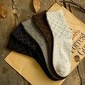 2017 Nuevo Hombre calcetines Gruesos Calcetines De Lana Merino 5 par/lote Alta calidad Clásico del Enrejado de la Marca Comercial Calcetines de Invierno Para Hombres Grandes tamaño