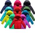 2017 de invierno nuevo niño y niña ropa de abrigo top, niños gruesa caliente abajo chaqueta, niños deportes ropa de abrigo con capucha 11 colores