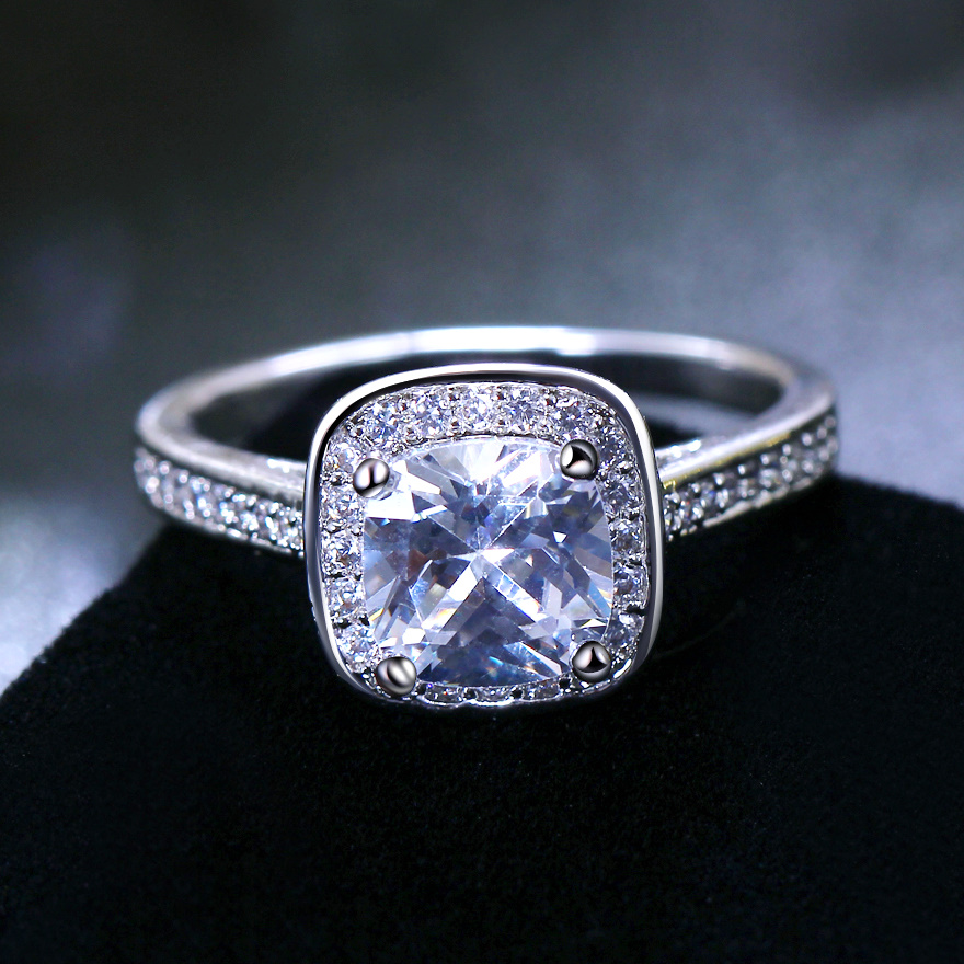 Superior Quality Engagement Ring Best Price Top Aaa