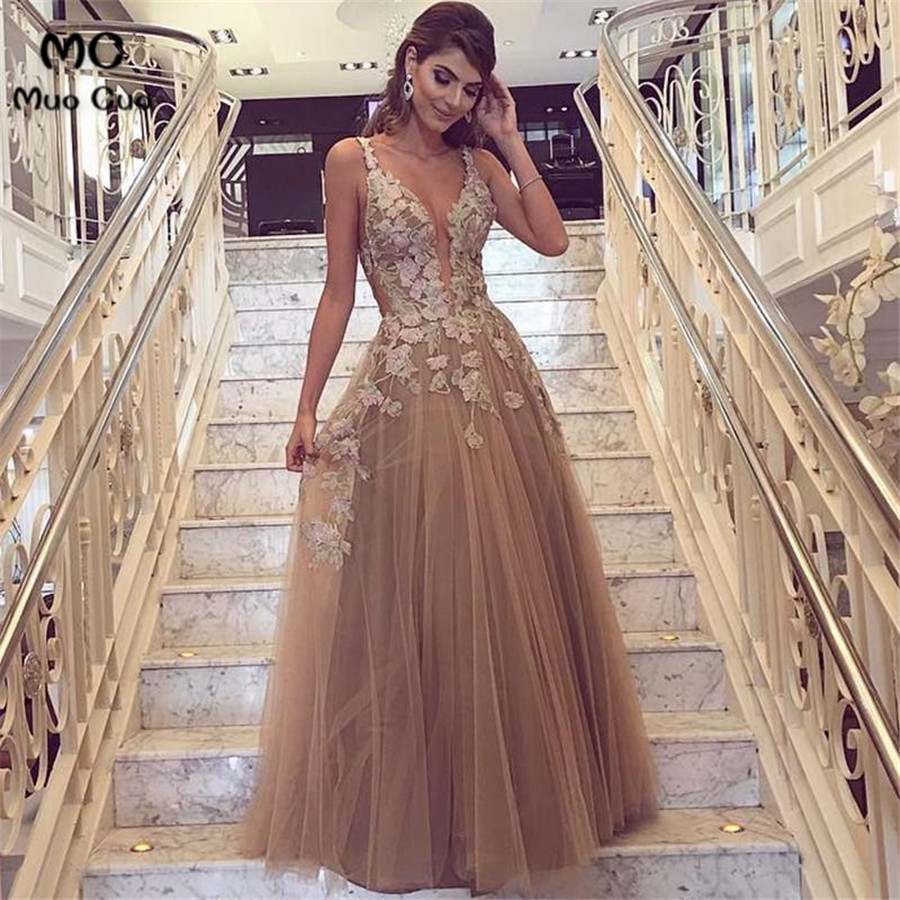 2018 New Evening Dresses Long with Appliques Spaghetti Straps Tulle Deep V neck A Line Formal