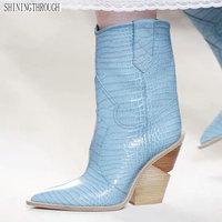 Модные выбитая микрофибра кожа женские ботильоны с острым носком ковбойские сапоги Вестерн женские ботинки до середины икры Коренастый са