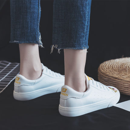 2019 small white shoes female Korean version girls canvas shoes students white shoes flat casual sports graffiti shoes 4