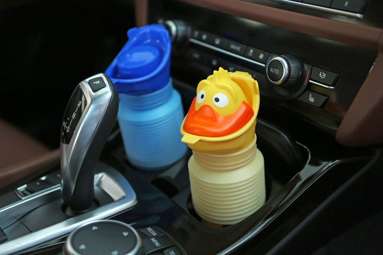 HOt Cute cartoon Baby Boy girl Portable Urinal Travel Car Toilet Kids Vehicular Potty 600ml green Frog yellow duck pink bear