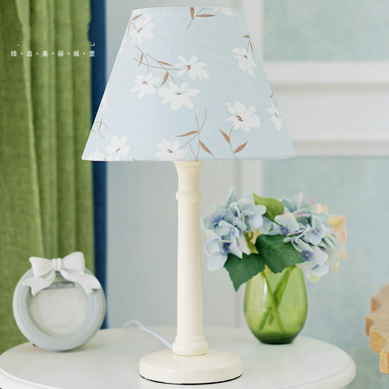 Simple Contemporary Scandinavian Wood Table Lamp Cloth
