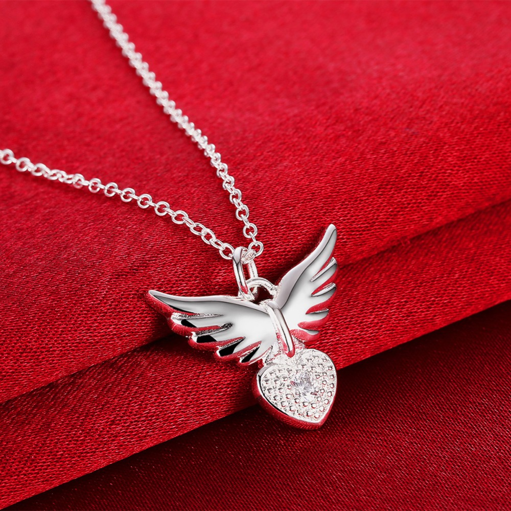 f5c00d48b69e Couleur argent Pendentif Coeur Collier avec zircon belle ange forme bijoux  de mode pour les femmes beau cadeau d anniversaire pas cher chaud dans  Pendentif ...