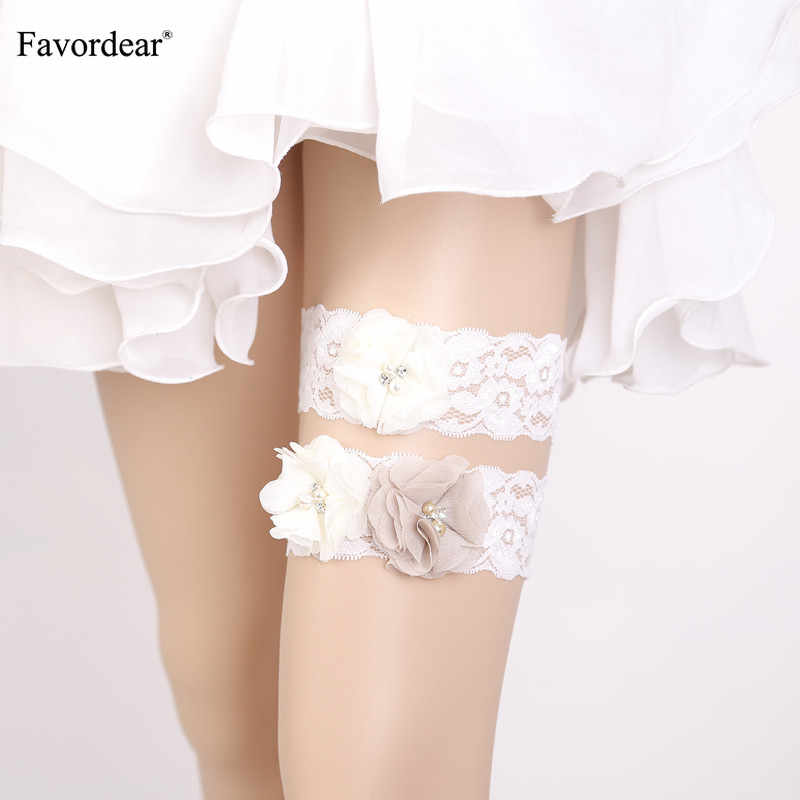 Favordear Women White Lace Pearls Leg Ring Wedding Garter with Three Flowers 2 PC Elastic Band Fashion Bridal Garter Belt
