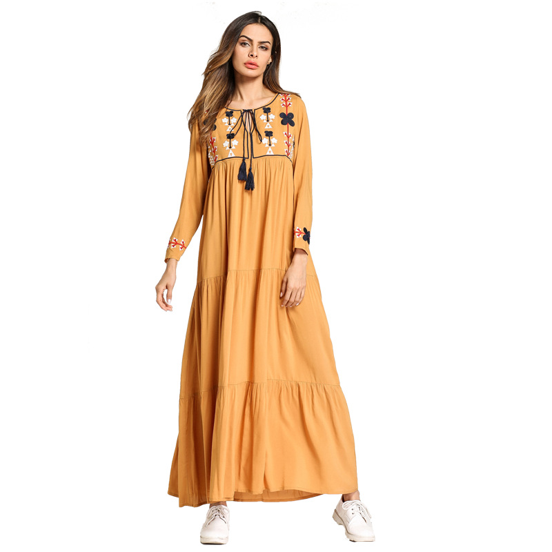 9e1a3045a21 Elegant Embroidery Maxi Dress Muslim Abaya Kimono Tassels Long Robe Gowns  Loose Style Jubah Ramadan Middle East Islamic Clothing