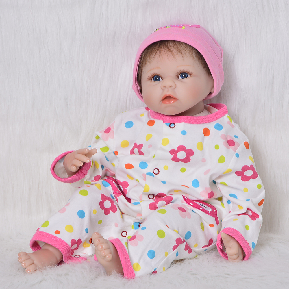 "Фото Lifelike 22"" Reborn Baby Dolls Soft Silicone Vinyl Cloth Body Fashion Newborn Doll Birthday Christmas Gifts Reborn Bonecas Toys"
