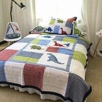 Дети покрывало Стёганое одеяло комплект 2 шт. покрывало Стёганое одеяло ed покрывала мыть хлопок динозавр вышитые Стёганое одеяло с крышкой