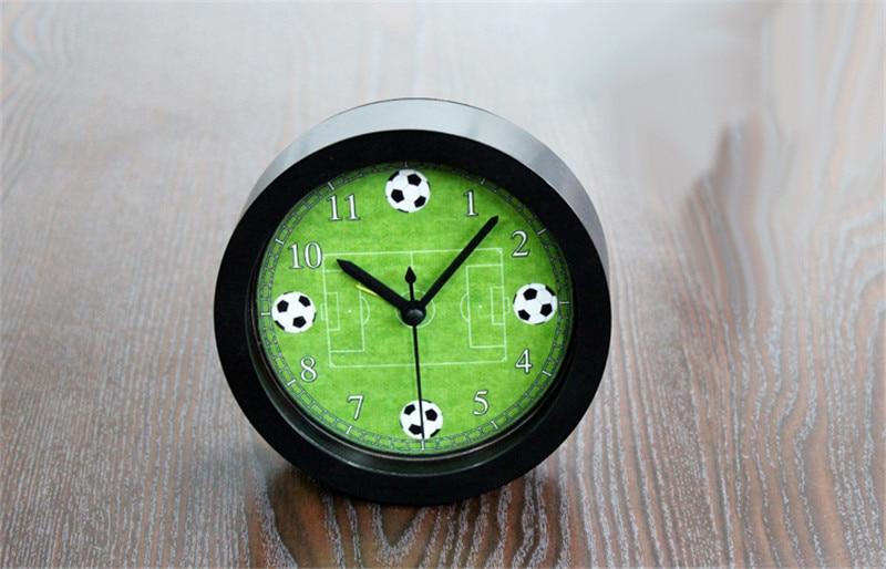 Us 18 99 Neue Ankunft Quarz Uhren Mode Uhren 3d Echt Fussball Wecker Fur Kind Kinder Schlafzimmer Wohnkultur Geschenk In Neue Ankunft Quarz Uhren