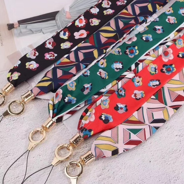 Geometric Patterned Strap for Smartphone