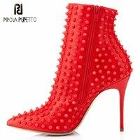 Prova Perfetto/Новые модные ботинки с заклепками женские ботильоны на высоком каблуке обувь с острым носком Escarpins сапоги на тонком высоком каблуке