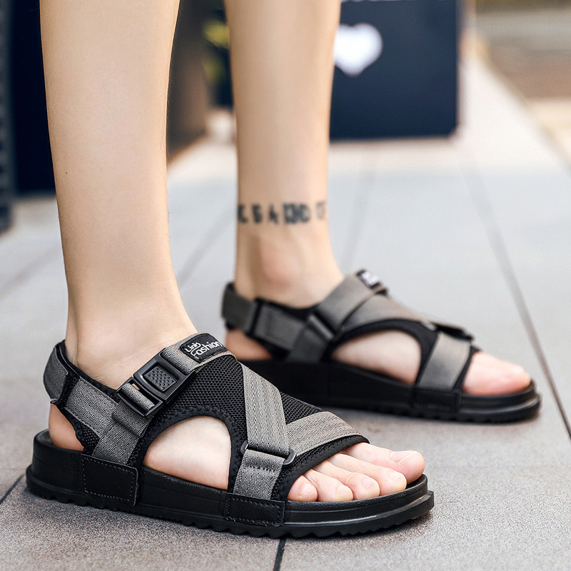 Summer Men Shoes Breathable Big Sizes 38-46 Beach Shoes Men Black Gray Flat Sandals for Men Rubber Bottom Anti-slip Sandals
