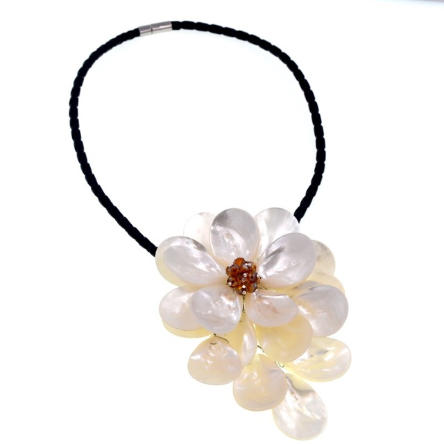 2018 New Arrival Fashion Jewelry Brown Crystal White Sea Shell Flowers Choker Necklace Dress Accessories