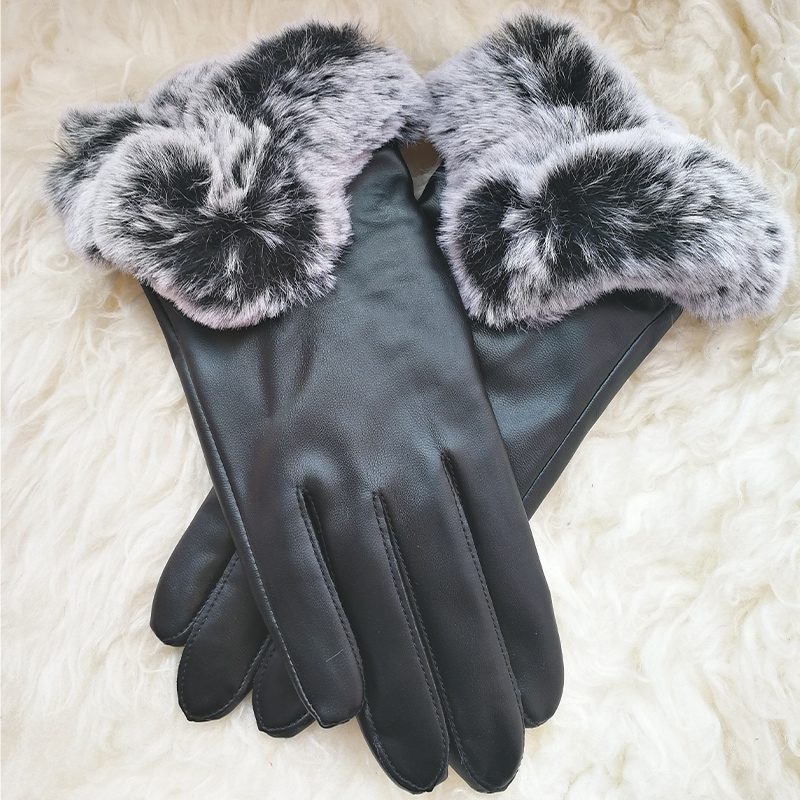 Leather Gloves Female Winter Plus Velvet Fashion Keep Warm Driving PU Leather Touchscreen Gloves For Woman Free Size PL023PC