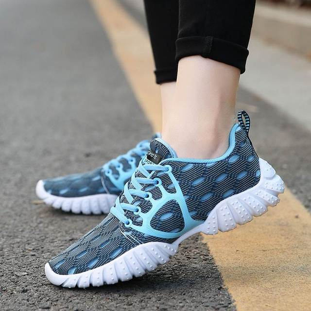 Women Casual Sneakers Breathable Air Mesh Shoes Woman Lightweight Lace Up Walking Shoes Ladies Comfortable Casual Shoes