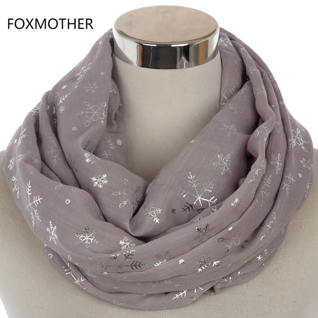 FOXMOTHER 2018 Nouveau Hiver Femmes Brillant Gris Bronzage Feuille Argent  Flocon De Neige Col Foulards Foulard d99af913db4