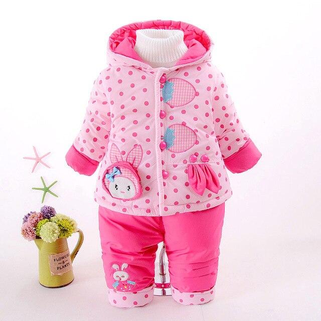 Новый зимний новорожденных девочек комплект одежды хлопка мягкой дети девушка куртка пальто и брюки теплый мода dot stawberry ребенка девушка одежда набор