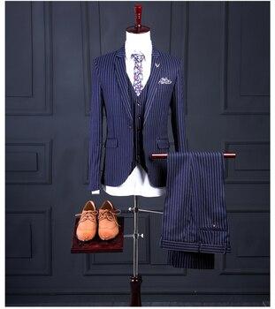 af93b502c Traje de hombre a rayas azules hecho a medida estilo italiano ajustado de 3  unidades trajes de fiesta de boda para hombres (chaqueta + Pantalones +  chaleco)