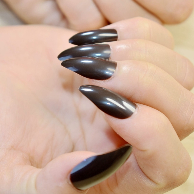 Full Wrap Medium Fake Nails Dark Color Sharpen STILETTO Acrylic Nail ...