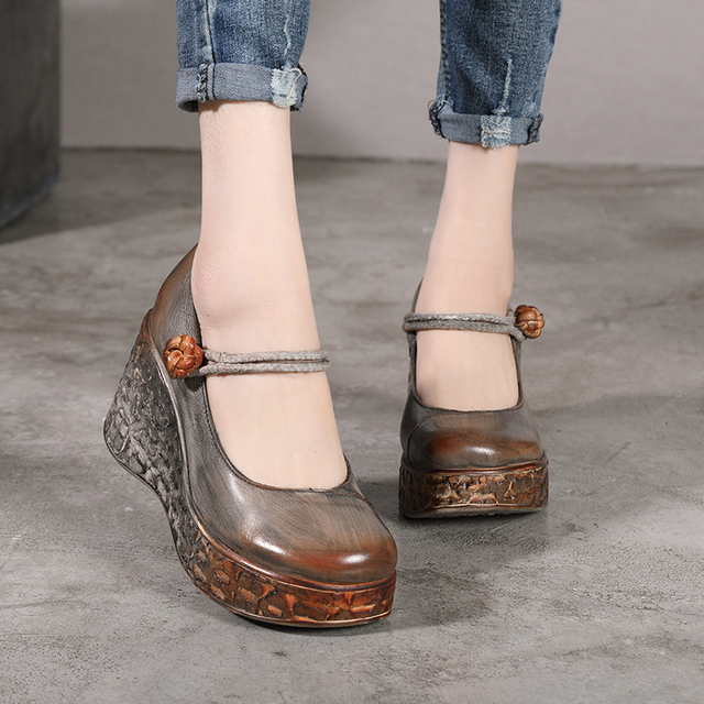 Genuine Leather Vintage Lady Wedge Round Toe Platform Pumps