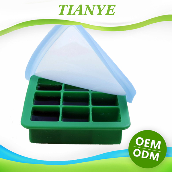 2015 Hot Sell Wholesale Silicone Ice Cube Tray With Lid