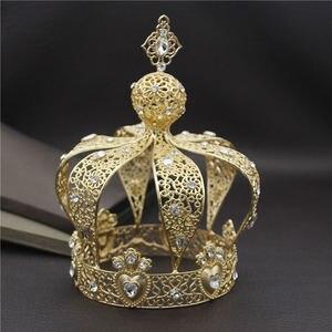 Image 2 - Beliebte Barock Vintage Königlichen König Diadem Prom Party Männlichen Kuchen Party Prom Hochzeit Haar Schmuck Mann Crown Runde